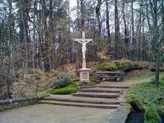 Kreuz Soldatenfriedhof Dahn - geo.hlipp.de - 33604.jpg