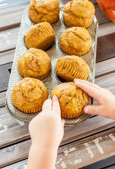 Pumpkin Muffins - Kid-Friendly + Mom-Approved - Peas and Crayons - - We love making these kid-friendly pumpkin muffins. They're super simple, gloriously healthy, and sweetened naturally with maple syrup! Best Pumpkin Muffins, Pumpkin Cream Cheese Muffins, Pumpkin Muffin Recipes, Pumpkin Chocolate Chip Muffins, Pumpkin Cream Cheeses, Pumpkin Pumpkin, Muffins Blueberry, Streusel Muffins, Muffins Topping