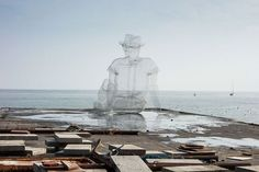 Edoardo Tresoldi is a set designer and a sculptor. The Italian artist constructs these large sculptures out of wire mesh. Sculptures Sur Fil, Wire Sculptures, Appropriation Art, Information Art, Genius Loci, Internet Art, New Media Art, Wire Mesh, Italian Artist