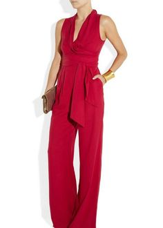 Catherine Malandrino Jumpsuit - people actually wear these a lot in China.and I kind of want one. Fashion Tips For Women, Fashion Advice, Passion For Fashion, Jumpsuits For Women Formal, Womens Jumpsuits, Silk Jumpsuit, Catherine Malandrino, Womens Fashion Sneakers, Women's Fashion Dresses