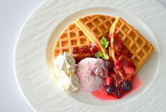 Mixberry waffle