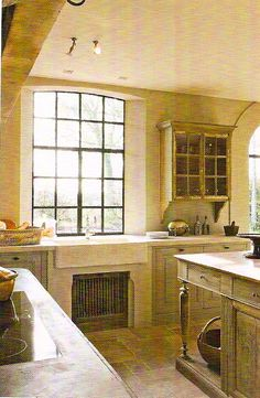 Décor de Provence: The Perfect Belgian Kitchen Rustic Kitchen Design, Boho Kitchen, French Kitchen, Home Decor Kitchen, Kitchen Interior, Rustic Kitchens, Dream Kitchens, French Country Style, French Country Decorating