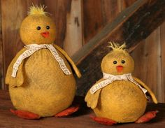 New Country Primitive Spring EASTER PEEP CHICKS Set of 2 Cloth Doll
