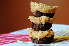 Crispy Chocolate Peanut Butter Cups | Iowa Girl Eats 1 frozen meatless or turkey sausage patty with about 80 calories (like the kind by MorningStar Farms or Jimmy Dean) 2 tbsp. diced bell pepper 2 tbsp. diced onion 1 stick light string cheese 1 whole-wheat or high-fiber pita with about 125 calories 2 tbsp. jarred pizza sauce Optional toppings: garlic powder, red pepper flakes