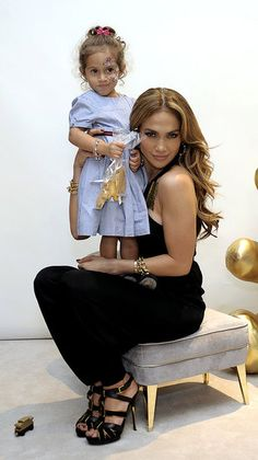Jennifer Lopez...one HOT mom!!