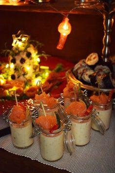 Laxpannacotta med pepparrot | Smaskelismaskens | Bloglovin' Fruit Appetizers, Swedish Recipes, Xmas Food, Keto, Lchf, Tapas, Catering, Panna Cotta, Food And Drink