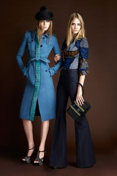 Blue coat and beauiful blouse - Burberry Resort 2012