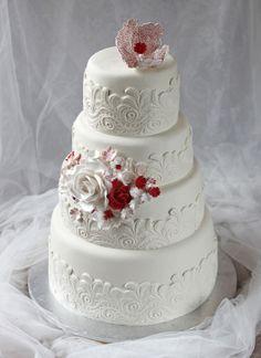 bröllopstårta våningstårta spets rosor