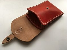Leather Pouch, Leather Bags, Leather Craft, Sticks And Stones, Leather Accessories, Leather Working, Card Wallet, Stationary, Coin Purse
