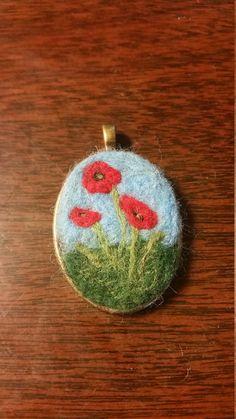 Items similar to Poppies Flower Necklace - Needle felted wool pendant on Etsy Felt Flowers, Poppy Flowers, Felt Pictures, Felted Wool Crafts, Needle Felting Tutorials, Craft Night, Felt Diy, Wet Felting, Felt Ornaments