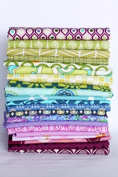 I want to live in Jeni's fabric photos.