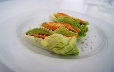 Wraps de laitue aux lentilles Menu, Vegan, Ethnic Recipes, Food, Lettuce Wraps, Lettuce Leaves, Exotic Fruit, Seasonal Recipe, Lawyer