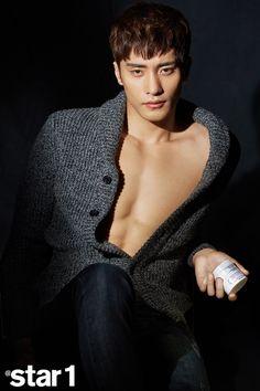 Sung Hoon -Beautiful and charming men. Handsome Asian Men, Sexy Asian Men, Most Handsome Men, Hot Korean Guys, Korean Men, Asian Actors, Korean Actors, Sung Hoon My Secret Romance, Saranghae