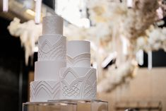 Stay in style White Wedding Cakes, Beautiful Wedding Cakes, Couture Cakes, Wedding Cake Inspiration, Intimate Weddings, Pilgrim, Cake Art, Pillar Candles, Most Beautiful