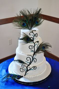 peacock wedding cakes | DoodlePie Cakes: Peacock Wedding Cake