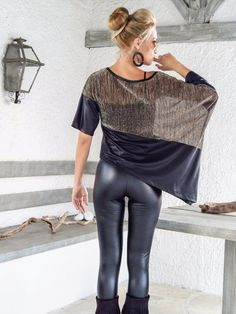 Sequin Asymmetric Top Blouse with Black Leather Details / Sequin Leather Loose Evening Top Blouse / Asymmetric Plus Size Blouse / 35157 Fashion Over, Look Fashion, Womens Fashion, Mode Batik, Evening Tops, Shiny Leggings, Asymmetrical Tops, Plus Size Blouses, Cute Outfits