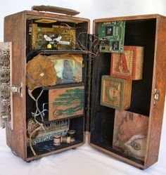 The Listening Center by Mary Jo Kattelman. In the tradition of the Joseph Cornell Box Found Object Art, Found Art, Collages, Collage Art, Joseph Cornell Boxes, Joseph Cornell Artwork, 3d Studio, Assemblage Art, Box Art