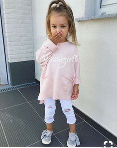 Best Picture For toddler girl outfits birthday For Your Taste You are looking for something, and it Stylish Kids Fashion, Vintage Kids Fashion, Kids Winter Fashion, Toddler Fashion, Girl Fashion, Winter Kids, Summer Kids, Fashion Kids, Fashion 2020