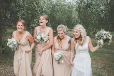 love this shot of bridesmaids & bride N x Wedding Venues, Wedding Photos, Wedding Ideas, Bridesmaid Dresses, Wedding Dresses, Bridesmaids, Blush And Gold, Gold Wedding, Portrait Photography