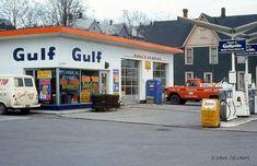 Old Gas Pumps, Vintage Gas Pumps, Chevron Gas, Vintage Diner, Vintage Auto, Ho Scale Buildings, Nostalgia, Gas Service, Old Garage