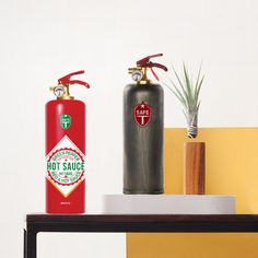 Farbenfrohe Feuerlöscher