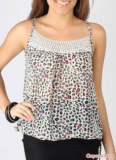 Sleeveless cream lace top made with gauze fabric, Cotton boho crochet top blouse Crochet Yoke, Crochet Fabric, Crochet Collar, Crochet Shirt, Gauze Fabric, Cream Lace Top, Couture Tops, Crochet Fashion, Boho