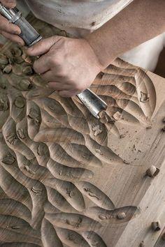 Finitura legno: Scavo a sgorbia
