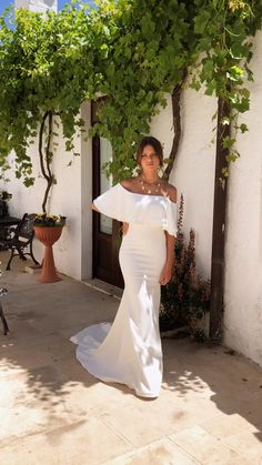 O'Briens Bridal carries a large selection on-trend, exclusive wedding gowns to suit all budgets, ranging from - WE also stock bridesmaids dresses and occasion wear for wedding and debs. Wedding Bridesmaid Dresses, White Wedding Dresses, Designer Wedding Dresses, Bridal Dresses, Wedding Gowns, Bridal Gown, Minimal Wedding Dress, Style Feminin, Older Bride