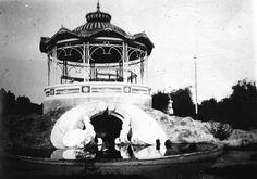 Vista do pavilhão de retretas (coreto) do Passeio Público, hoje transformado em aquário. Acervo da Casa da Memória/FCC