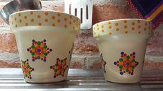 Stars. Estrellas. Macetas pintadas a mano. Flowerpots. Facebook: A'cha Pots. achapots@hotmail.com