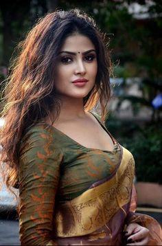 Beautiful Girl Makeup, Beautiful Blonde Girl, Cute Beauty, Beautiful Girl Indian, Beautiful Girl Image, Beauty Full Girl, Beauty Women, Most Beautiful Bollywood Actress, Beautiful Actresses