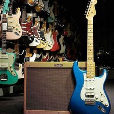 You are in a Music Band, playing Guitar, Drums, or just interested in Vintage Marhsall Amps, Gibson or Fender Vintage guitars? Check our Page and Create your Stageplot or Techrider for your Concert Online. Fender Vintage, Vintage Guitars, Learn Guitar Chords, Cool Electric Guitars, Fender Guitars, Cool Guitar, Playing Guitar, Acoustic Guitar, Music Bands