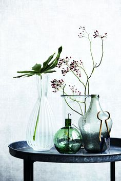 Styling with vases | Vasen | Still life