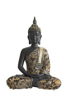Ranke, uit polystone gegoten meditatie boeddha urn uit eigen import, met 0.75 liter as-inhoud. Voor een deel van de as van een dierbare. Zeer fraai gedecoreerd met oudbruine stof met gouden bloemen en draken en gouden sierrand met balletjes, een blingbling sherp met zilver en gouden accenten. Deze fraaie slanke urn heeft een afsluitbare en verlijmbare vulopening aan de onderzijde (met plastic dop). Deze urnen zijn exclusief voor u en urnenwinkel www.Urnwebshop.nl in Thailand per stuk…