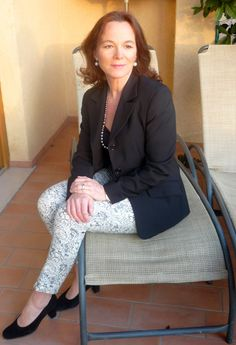 Weekender, Verona, Stocking Tights, Black Suede Pumps, Blazer, Court Shoes, Pants Outfit, Older Women, Timeless Fashion