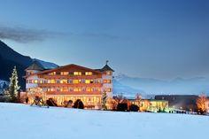 Winterliche Stimmung im Tiroler Zillertal - Urlaub mit Hund im Gartenhotel Magdalena