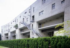 STEVEN HOLL ARCHITECTS - VOID SPACE/HINGED SPACE HOUSING