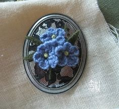 Embroidery Jewelry, Silk Ribbon Embroidery, Crewel Embroidery, Embroidery Kits, Embroidery Designs, Perler Beads, Needlepoint, Jewelry Crafts, Needlework