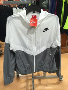 Nike Windbreaker Jacket Nike Windbreaker Jacket 1e5cce159
