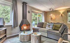 Leuke Landal met kinderen: De Vers in Overloon Bungalow, Ideal Home, Cabin, Vacation, Outdoor Decor, House, Park, Home Decor, Products