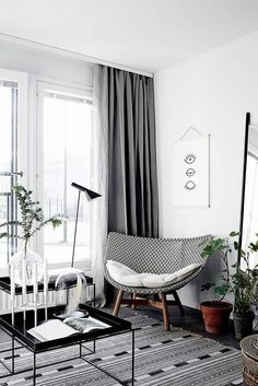 SF Girl By Bay Shares a Tiny Apartment Designed by Laura Seppanen That's #SoDomino on domino.com