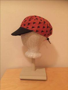 Caps Crochet Hats, Cap, Fashion, Knitting Hats, Baseball Hat, Moda, Fashion Styles, Peaked Cap, Fashion Illustrations