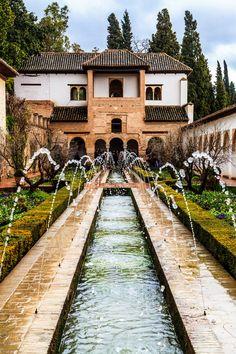 Patio de la Acequia Alhambra de Granada , Spain por Jesús Ruiz