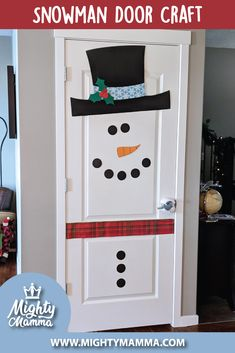 This snowman door craft is so easy to create. Easy Christmas Decorations, Snowman Decorations, Holiday Crafts, Christmas Door Decorating Contest, Christmas Classroom Door, Kids Christmas, Cute Crafts, Crafts For Kids, Craft Kids