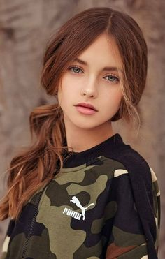 Este posibil ca imaginea să conţină: 1 persoană, cadru apropiat Beautiful Little Girls, Beautiful Girl Photo, Cute Young Girl, Cute Girls, Pretty Girls, Preteen Girls Fashion, Girl Fashion, Cute Girl Dresses, Cute Girl Face