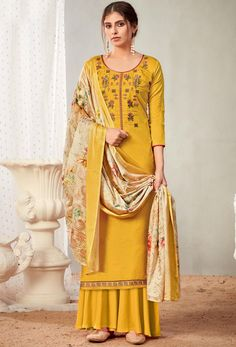 #Cotton #fabric is the #best #fabric in any #weathers, cotton #salwar #kameez is the best choice for any #girls or #womens, #Nikvik is the #bestseller of cotton salwar #suits in #USA #AUSTRALIA #CANADA #UAE #UK Pakistani Salwar Kameez, Pakistani Suits, Salwar Suits, Sharara Suit, Indian Suits, Fashion Pants, Girl Fashion, Palazzo Suit, Back Neck Designs