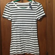 Old Navy NWT Stripped Short Sleeve T-Shirt Cotton NWT Old Navy T-shirt TRADES Old Navy Tops Tees - Short Sleeve