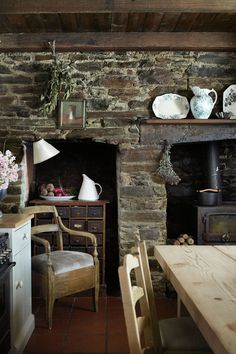 exposed brick makes my heart beat faster.