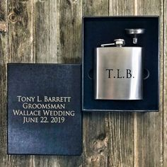 You can't go wrong with a personalized flask when it comes to picking the perfect groomsmen gifts. Click the link to see our full lineup of custom flask sets. Wedding Gifts For Men, Custom Wedding Gifts, Best Gifts For Men, Gifts For Dad, Wedding Favors, Best Groomsmen Gifts, Groomsman Gifts, Wedding Advice, Wedding Day