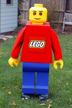 DIY BOYS HALLOWEEN COSTUMES : DIY Lego Man Costume